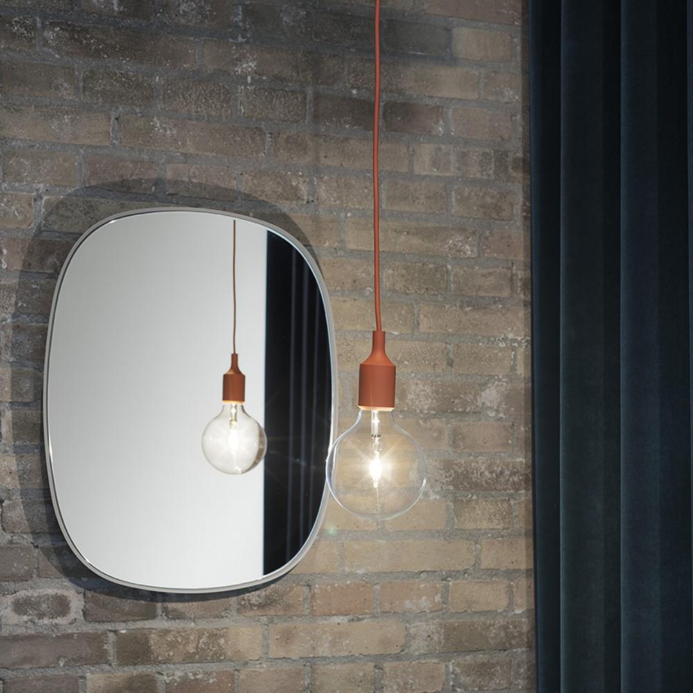 Framed petit miroir par muuto d coration de salon - Cadre photo rectangulaire long ...
